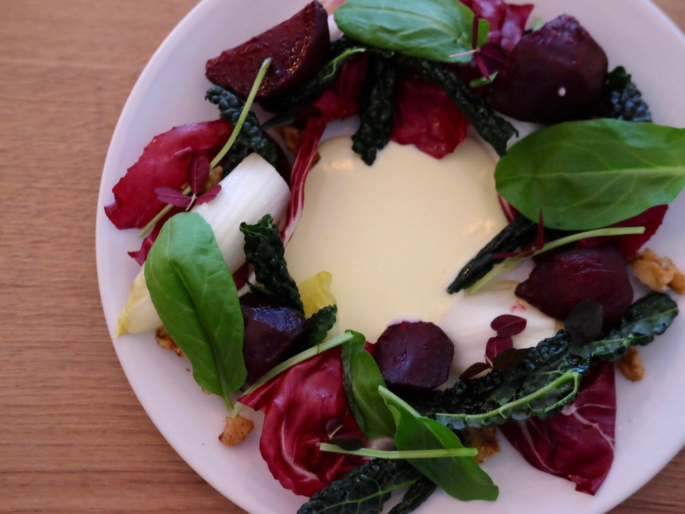 Beet salad with goat cheese dressing (lunch menu 1)