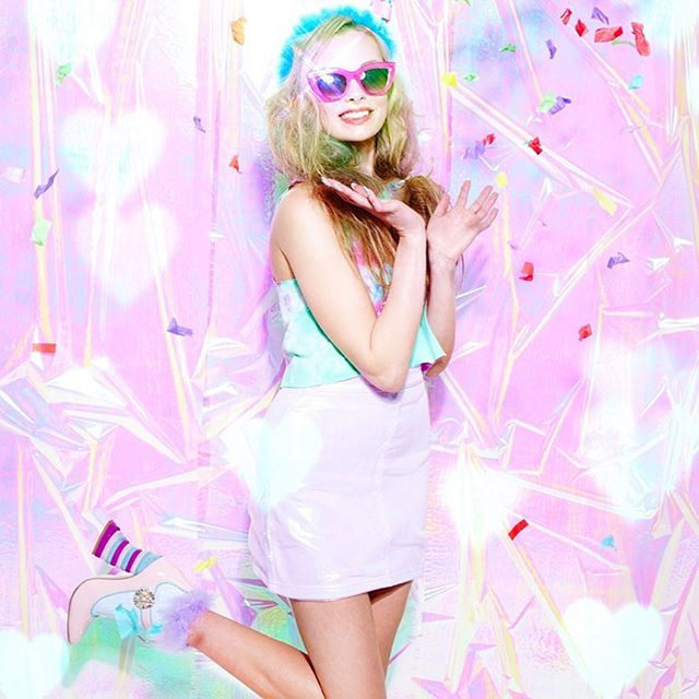 💘 Pink Partay!!!! 💘 One of my shots from a previous @caboodlemagazine !! #allpinkeverything #lifeledbycolor #productphotography #productphotographer #fashionphotography #kawaii #pink #dresscolourfully #abmlifeiscolorful