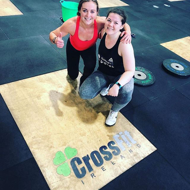 When friends train together 👯‍♀️🏋🏻‍♀️ Such a great session today with @sjhacks! She dropped into @crossfitireland and did the Monster Mash workout while I did two workouts I missed during the week. Always so great to catch up with great friends! Had a great chat over pancakes 🥞😍 (swipe 👉🏼) Today's workouts were: 1️⃣ Fran (a Crossfit benchmark workout) 21-15-9 Thrusters (29kg) Pull ups Time: 9.20 - the last time I did this workout was about 6 months ago and I didn't finish it under the time cap of 12 mins, so just goes to show how while you may not always see improvements on a day to day basis, over time some serious improvements can be made 💪🏼 2️⃣ 5 rounds of: 50 Double Unders  10 HEAVY AF deadlifts (85kg) Time cap 15 mins - I finished 2 rounds + 10 DU.