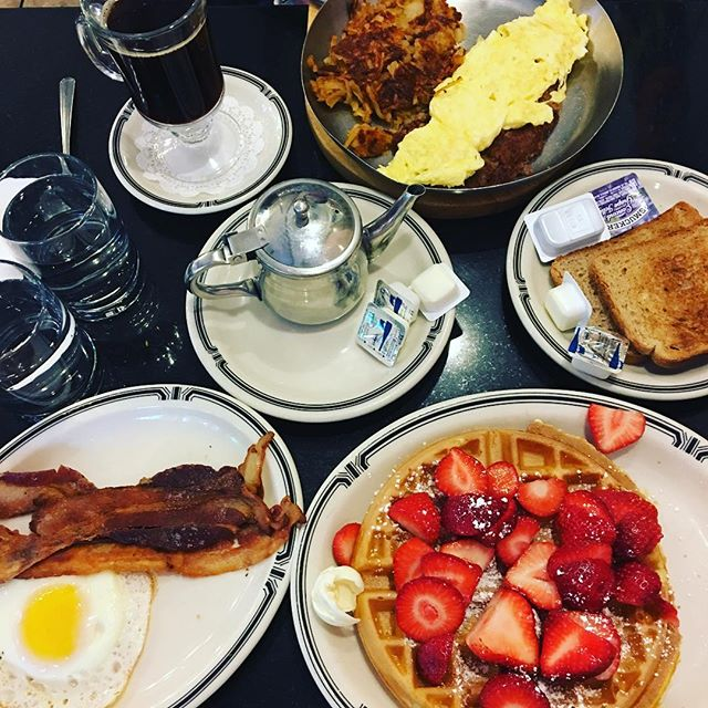 🗽🇺🇸 New York must - a diner breakfast 😍🥓🍳🥞