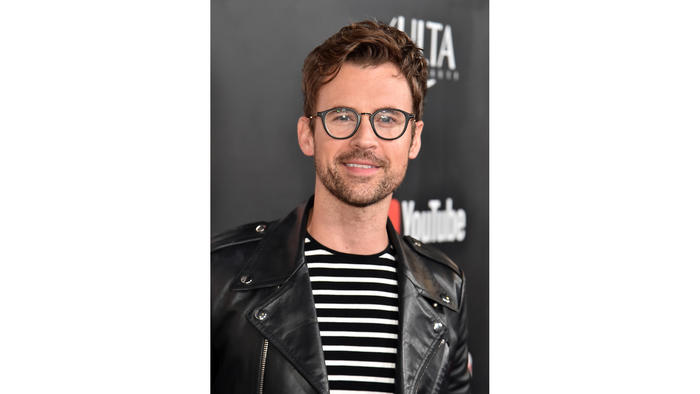 Celebrity stylist Brad Goreski says to focus on wardrobe building blocks, like coats or dresses, when sale shopping. (Getty Images)
