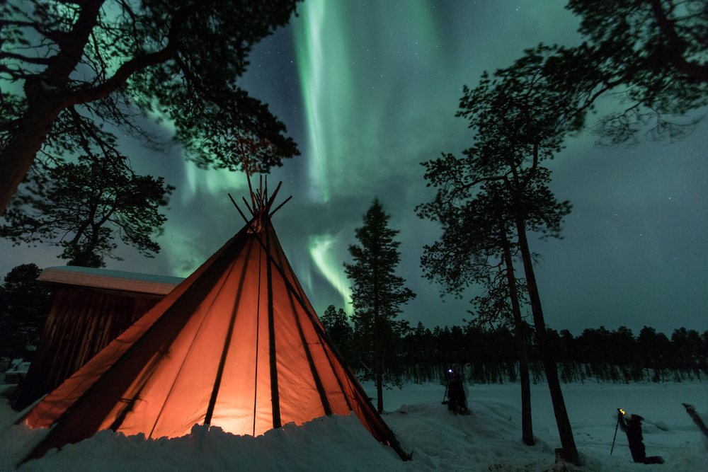 The #polarnightmagic team capturing the aurora