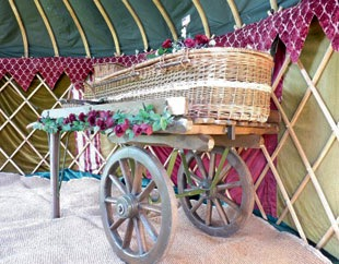 We provide a classic costermonger's cart to accommodate one of our willow coffins, allowing ease-of-movement of the beloved.
