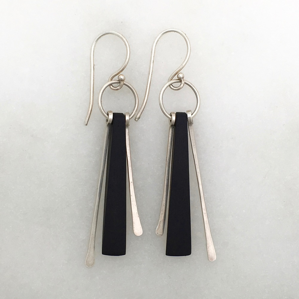 JULIA EARRING - ebony and sterling silver