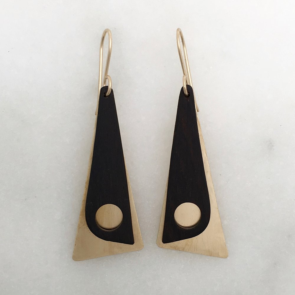 VENTANA EARRING - satin brass and ebony