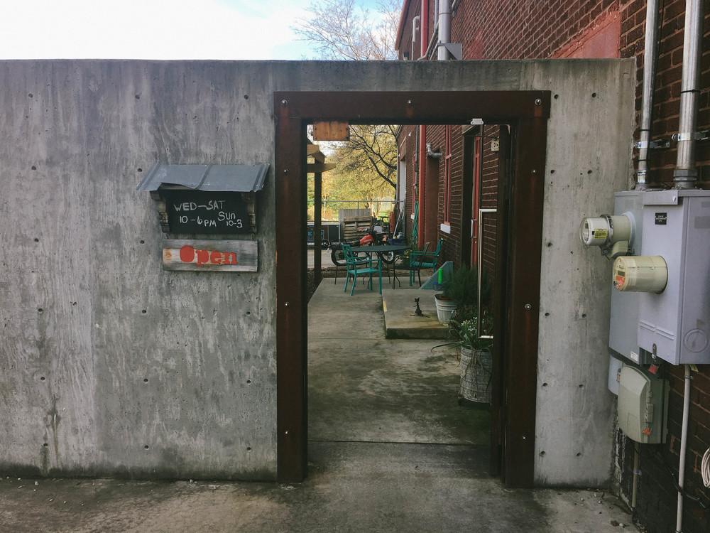 velo_outside_door
