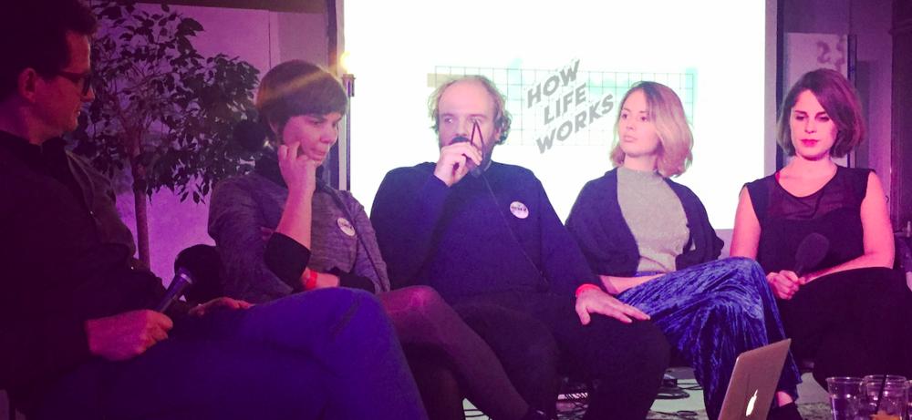 Fredo De Smet (How Life Works), Eva Moeraert (zichzelf), Pieter Blomme (Relaas), Mirke Kist (Bob) en Nele Eeckhout (Bob). Heel veel podcast-stars bij elkaar :-)