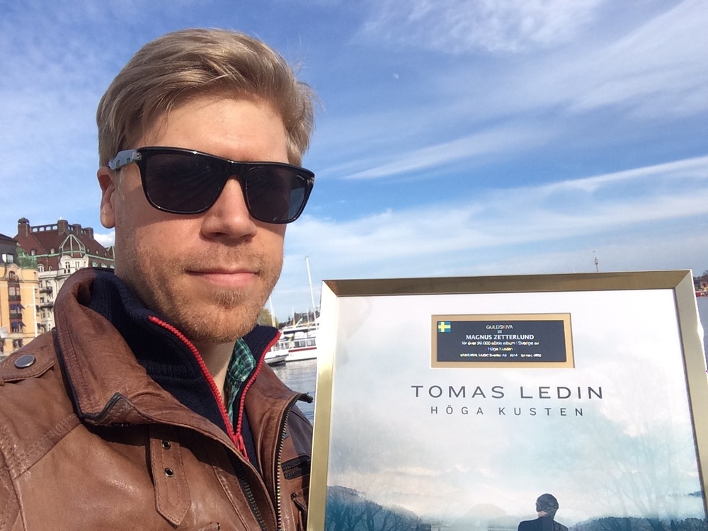 "Gold Record Award for Tomas Ledin ""Höga Kusten"" (2014)"