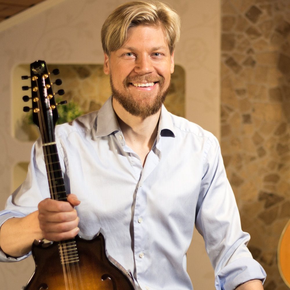 Magnus Zetterlund teaches mandolin students at the Royal College of Music in Stockholm. He is also a column writer for Gypsy Jazz Secrets Magazine.