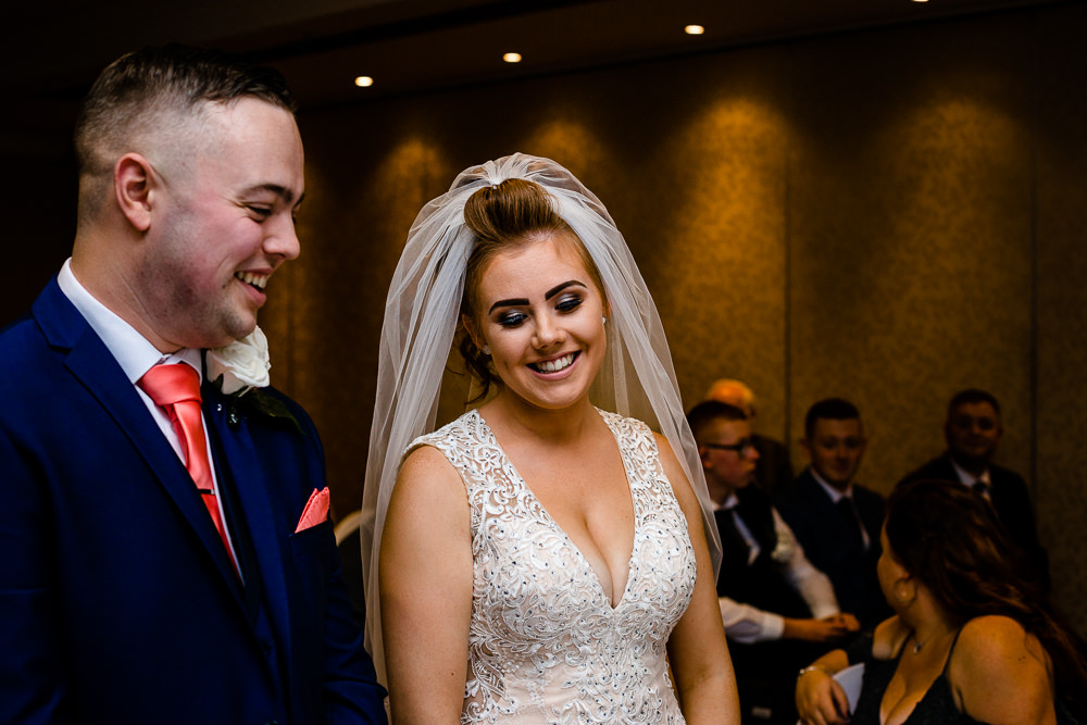 Cheryl-Rob-Marriot-Worsley-Wedding-Photographer-18.jpg
