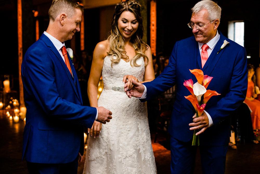 victoria-warehouse-wedding-photographer-034.jpg