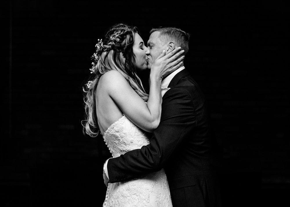 victoria-warehouse-wedding-photographer-037.jpg