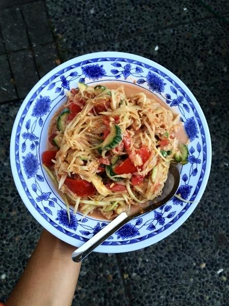 """Laotian papaya salad """"tum mak hoong"""""""