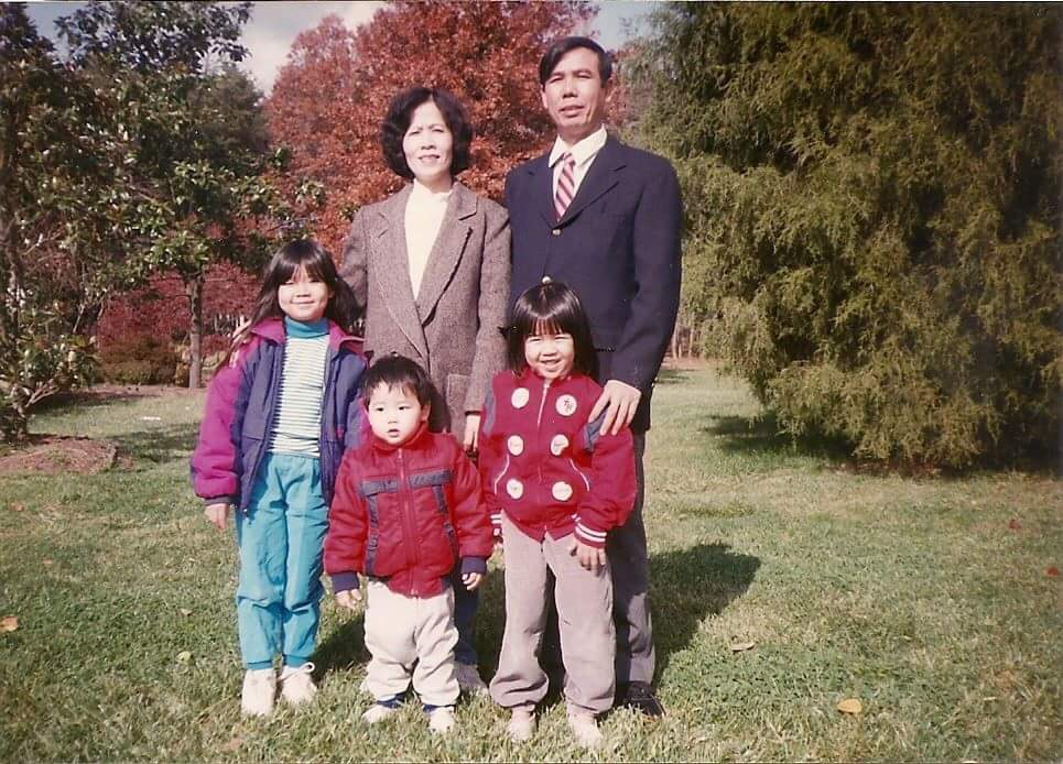 Nguyen Huu Tao with his wife and three children.