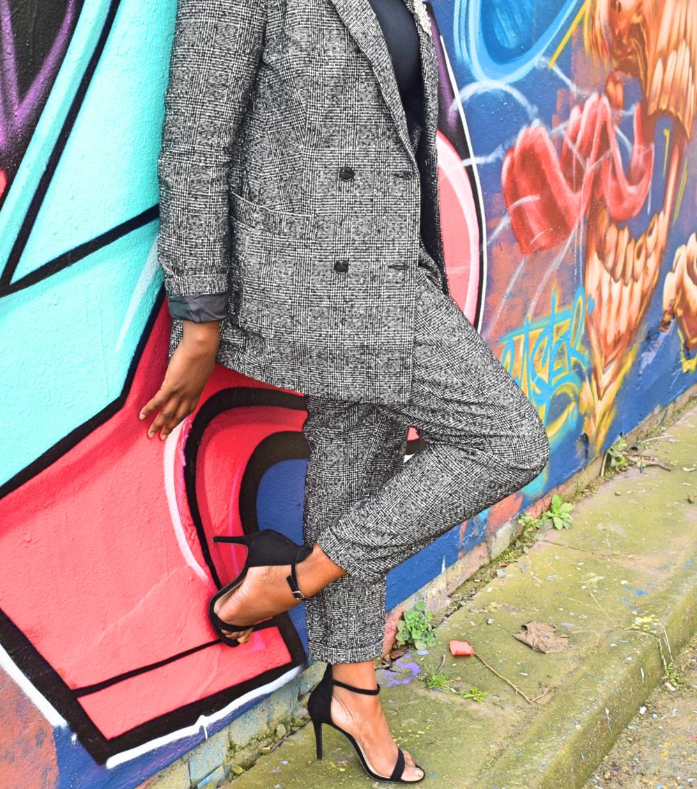 Newlook suit