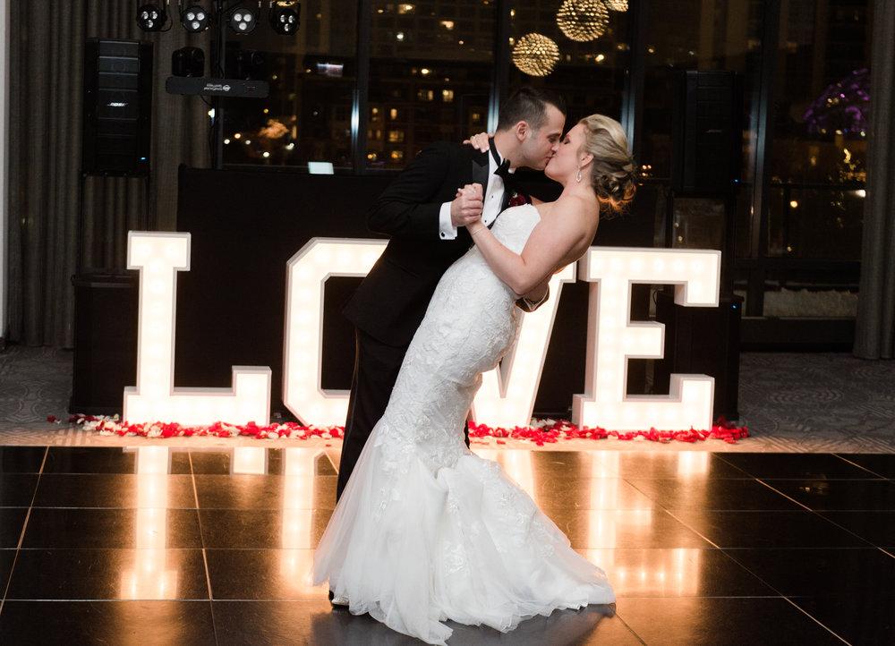 Bonphotage Chicago Fine Art Wedding Photography - Raddison Blue Aqua Hotel