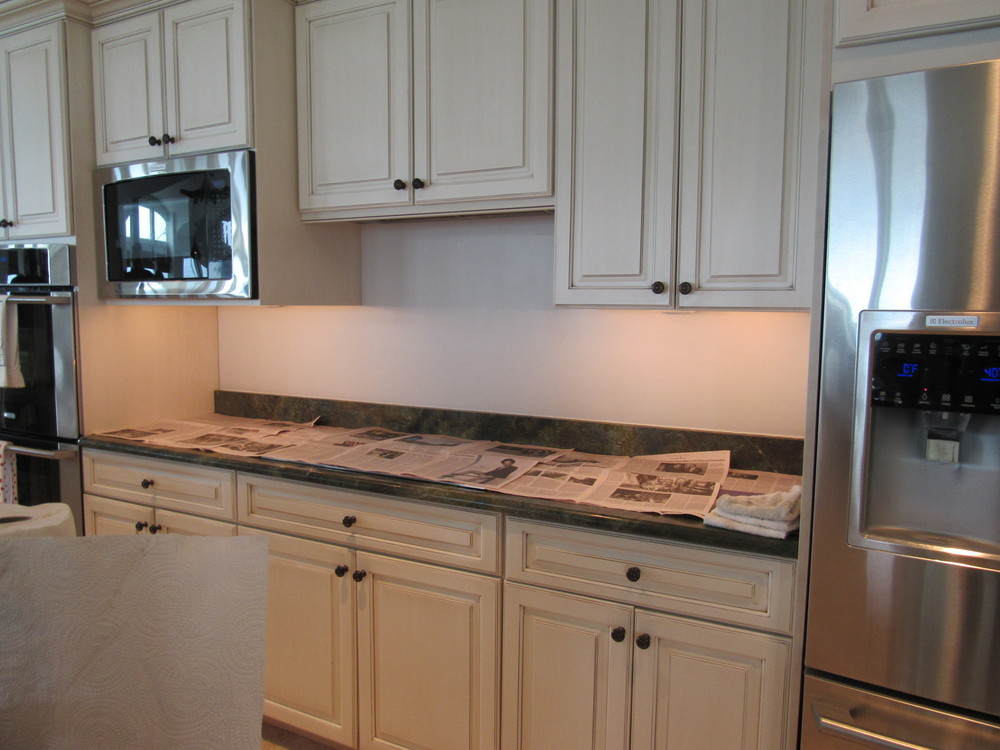 Before - Custom kitchen backsplash