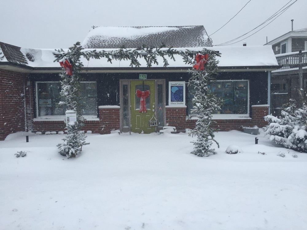 SwellColors Glass Studio in Winter