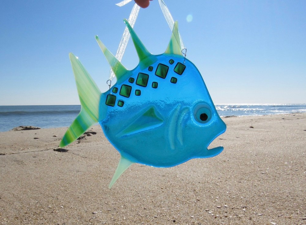 Fused Glass Fish Class - Pre-registration required.Have you seen our school of fish at Sco-Jos? Wouldn't it be fun to make your own?Class takes about 1 hour and you make one large colorful fused glass fish. Pick up 3 days later after we fire your art in our kiln or we can ship for a nominal fee.Cost is $175 per person per fish.Class is offered all day on Wednesdays.