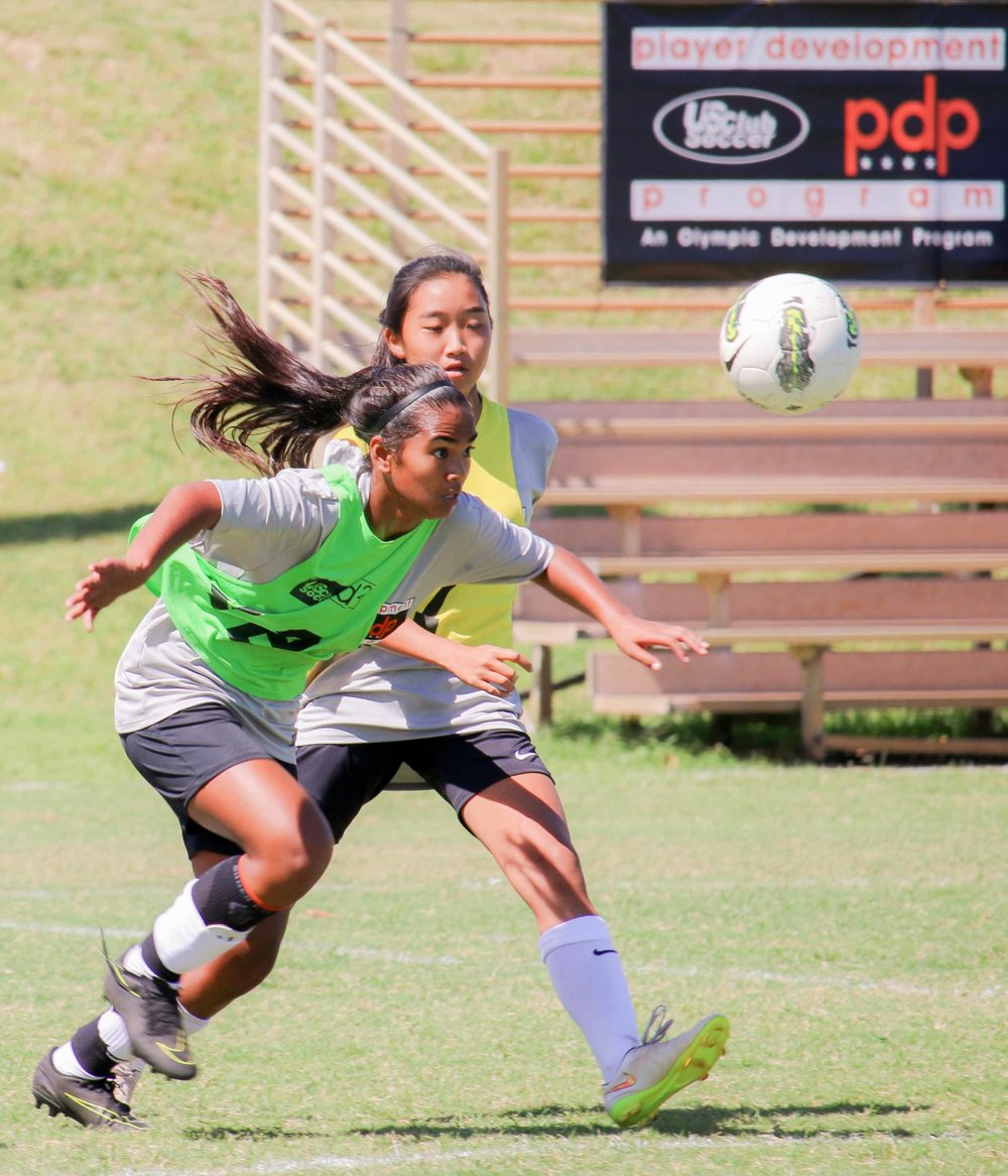 id² Selection, Caetlyn Johannes (Valley Isle Soccer Academy) positions herself for a header, at the US Club Soccer pdp—Hosted by the Hawaii Soccer Federation.