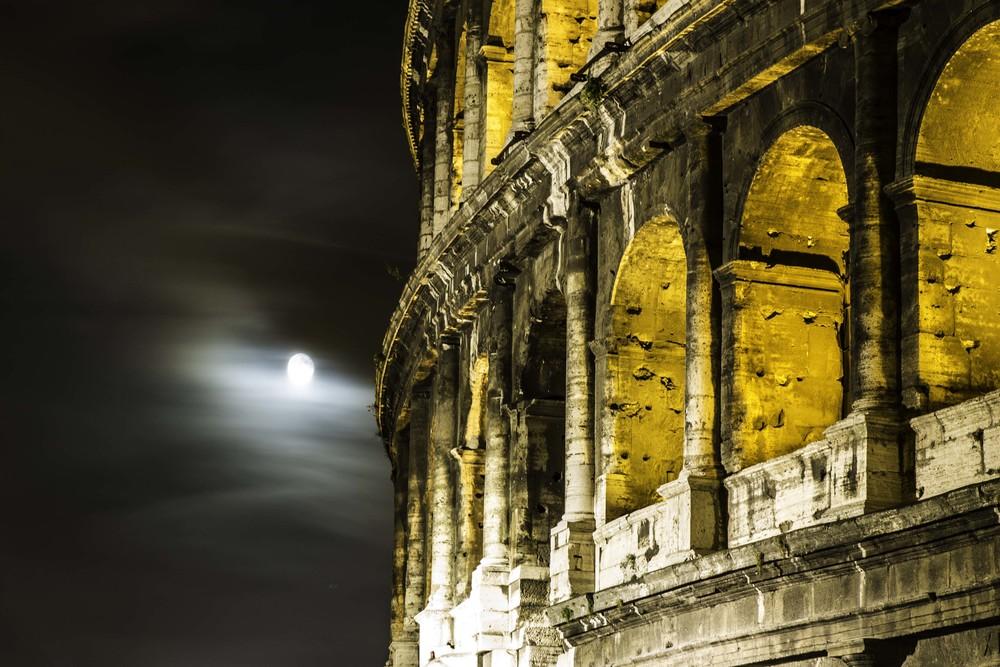 rome-colosseum-tippy-dray-travel-photography-long-exposure-night