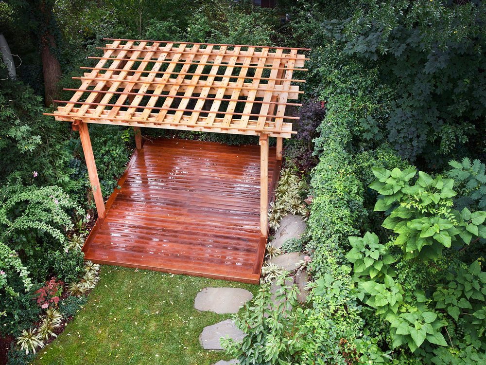 pergola and trellis built in Brooklyn New York City backyard