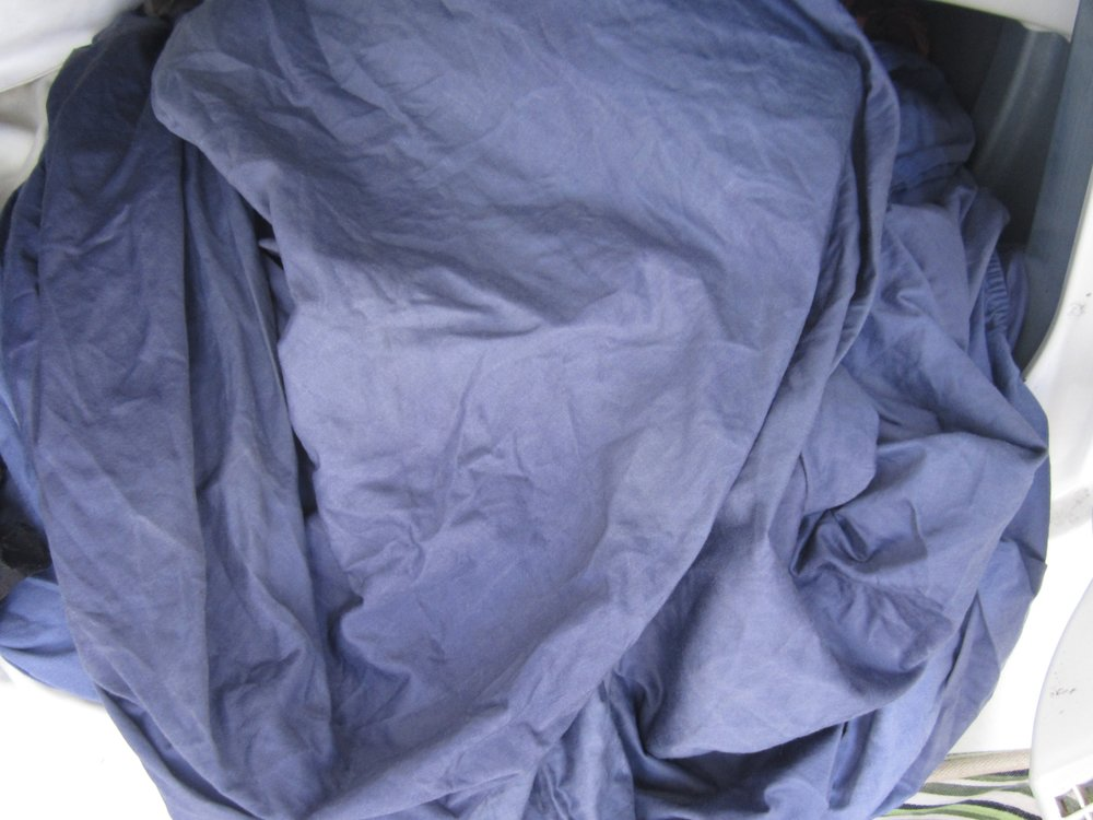 Dyed-white-sheets-blue-SajaEgo.com