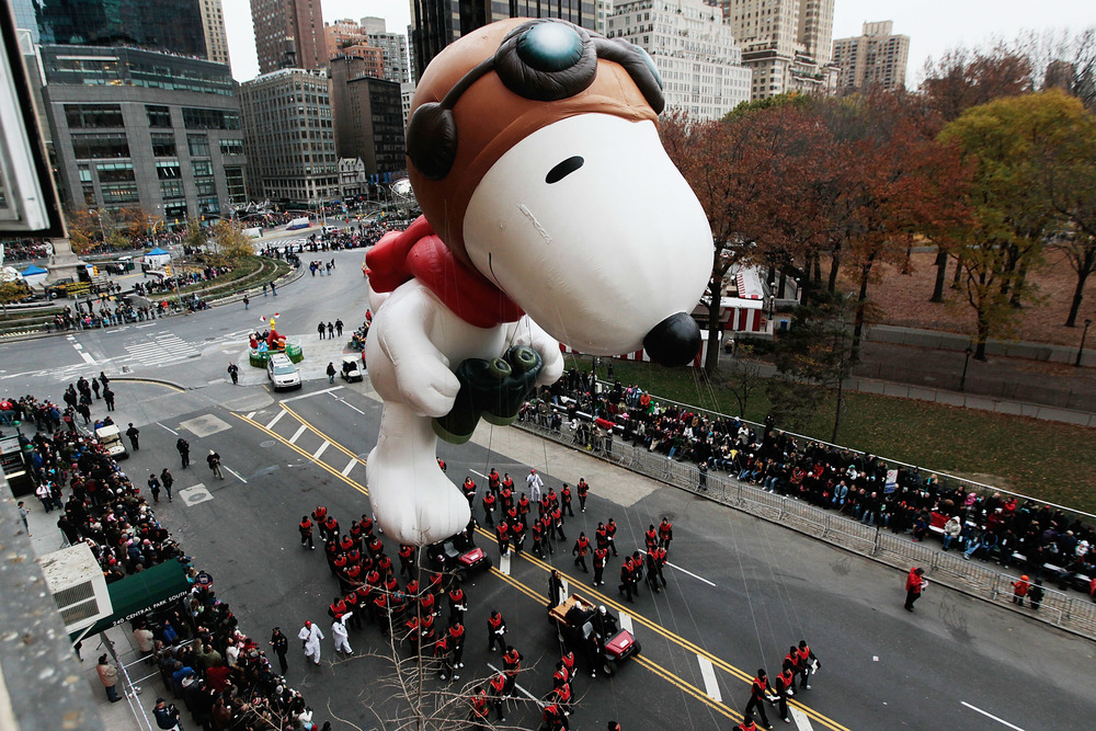 "WHY ""HELLO"" SNOOPY! Photo courtesy of Macy's Thanksgiving Snoopy Wiki"