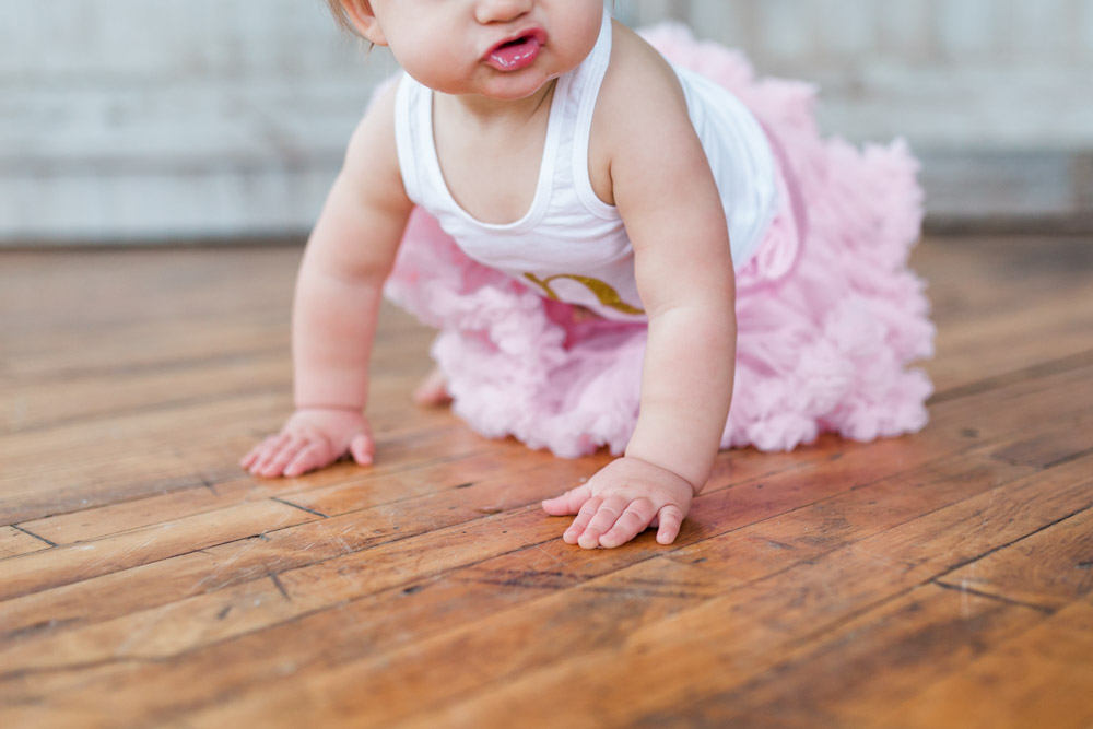 one year cake smash session | baby girl | first birthday | natural light studio