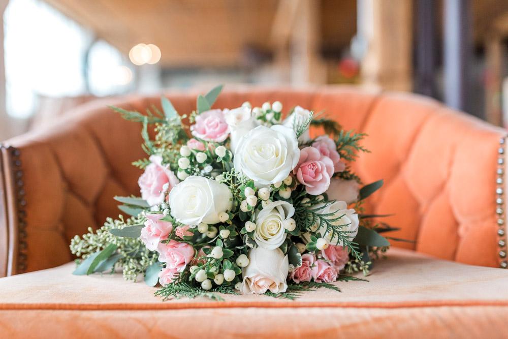winter wedding | great gatsby wedding | vintage flair wedding |  DIY | wedding details | art deco wedding | michigan wedding | bridal bouquet