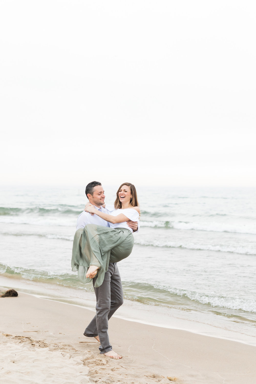 Lake Michigan Beach Engagement Session | Laurenda Marie Photography