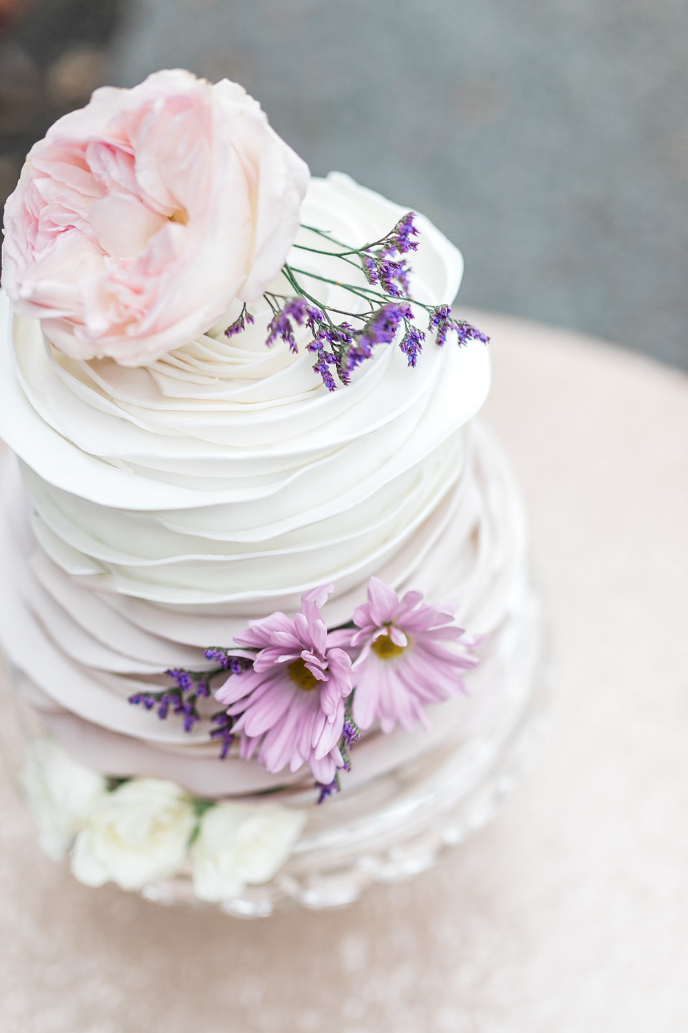 Ruffle Wedding Cake | Styled Wedding Shoot at Gable Hill Barn | Elegant Chic Wedding | Laurenda Marie Photography | West Michigan Wedding Photographer |