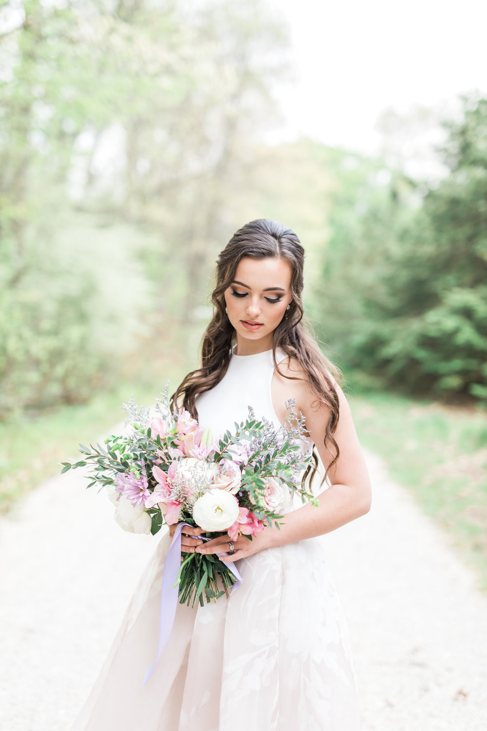 Bridal Portrait | Styled Wedding Shoot at Gable Hill Barn | Elegant Chic Wedding | Laurenda Marie Photography | West Michigan Wedding Photographer |
