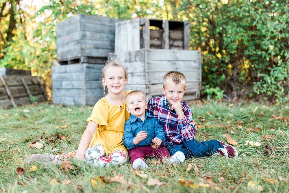 Fall Family Photos | Apple Orchard | Grand Rapids, Michigan