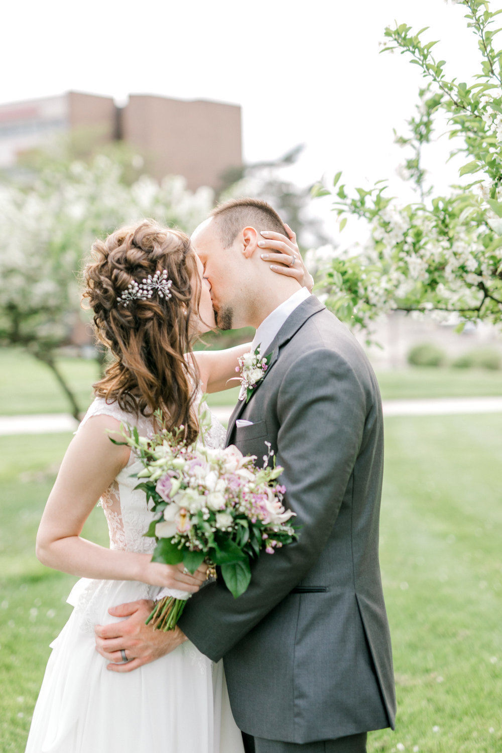 Beautiful Lavender Spring Wedding | Modern Bride | Laurenda Marie Photography | Michigan Weddings