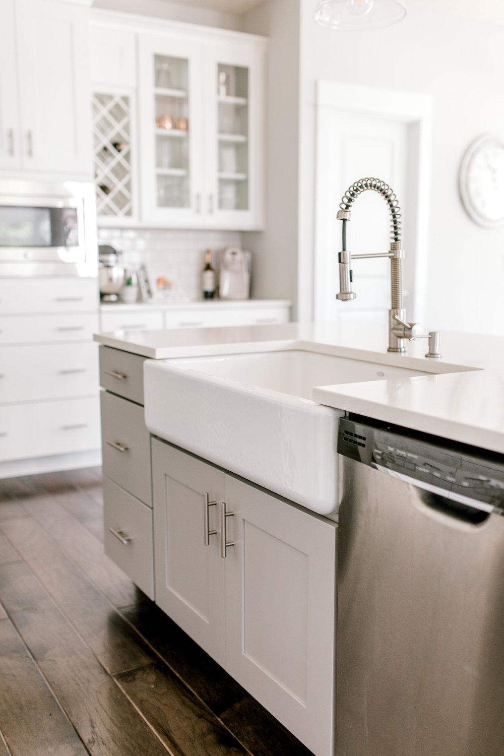 My White Modern Farmhouse Dream Kitchen | Industrial Kitchen | Fixer Upper Style Kitchen | Gray & White Kitchen | Apron Sink & Subway Tile