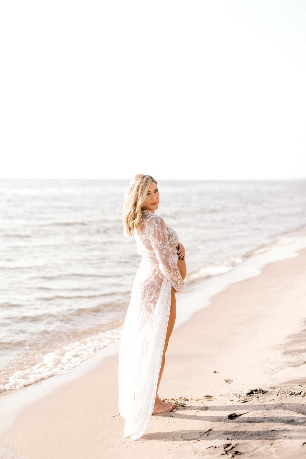 Sexy Summer Maternity Session at the Beach | Lake Michigan Maternity Session | Light & Airy Maternity | West Michigan Maternity Photographer | Laurenda Marie Photography