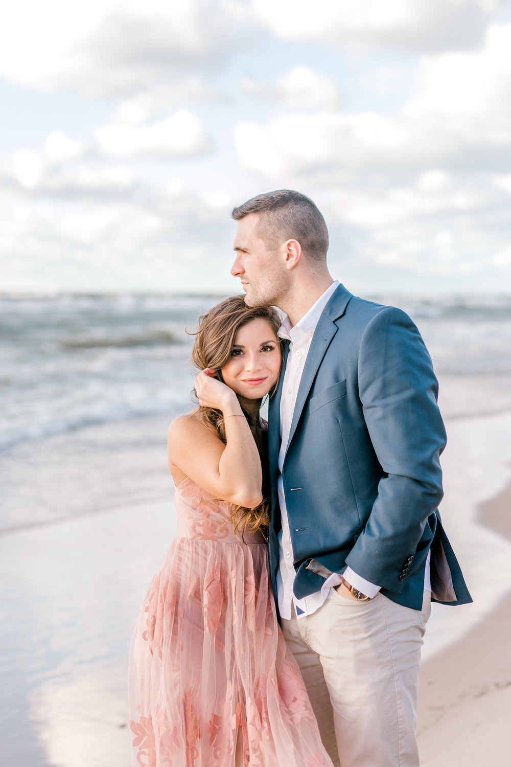 Fall Engagement Session at Lake Michigan and in the Park | Michigan Wedding Photographer | What to Wear to your Engagement Session