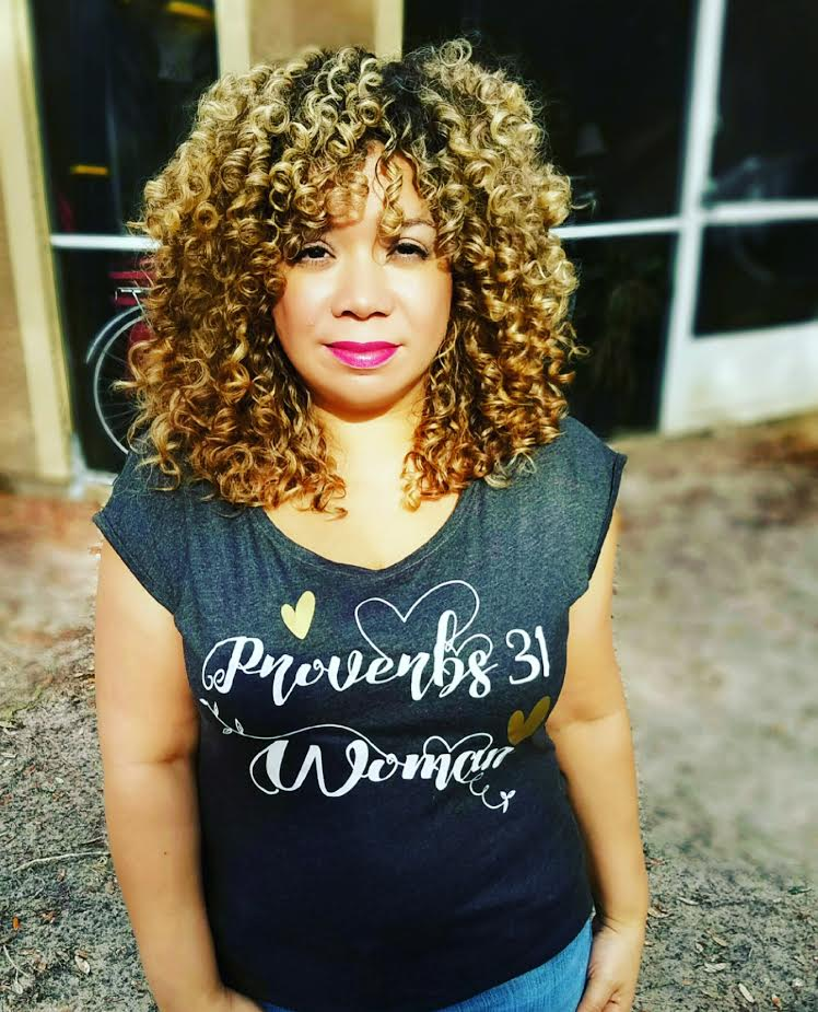 Model:  @def_curls  / Shirt:  jadenjazz.com