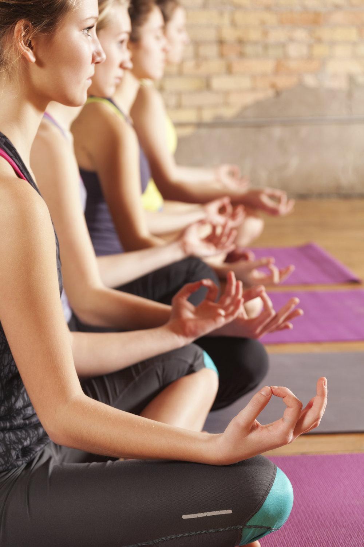 iStock_Yoga_Women_000020933263_XXXLarge.jpg