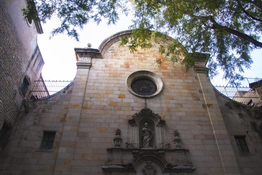 Gotic Courtyard.jpg