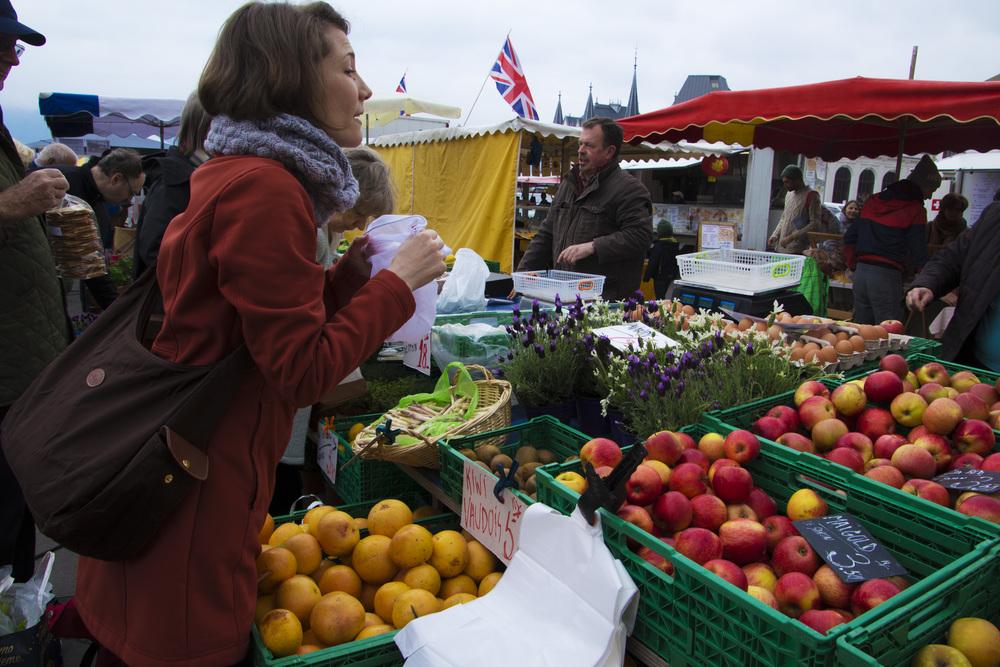Gwen Market.jpg