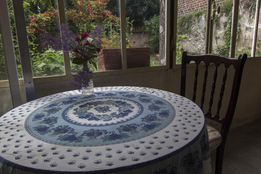 Dormans-Table setting.jpg