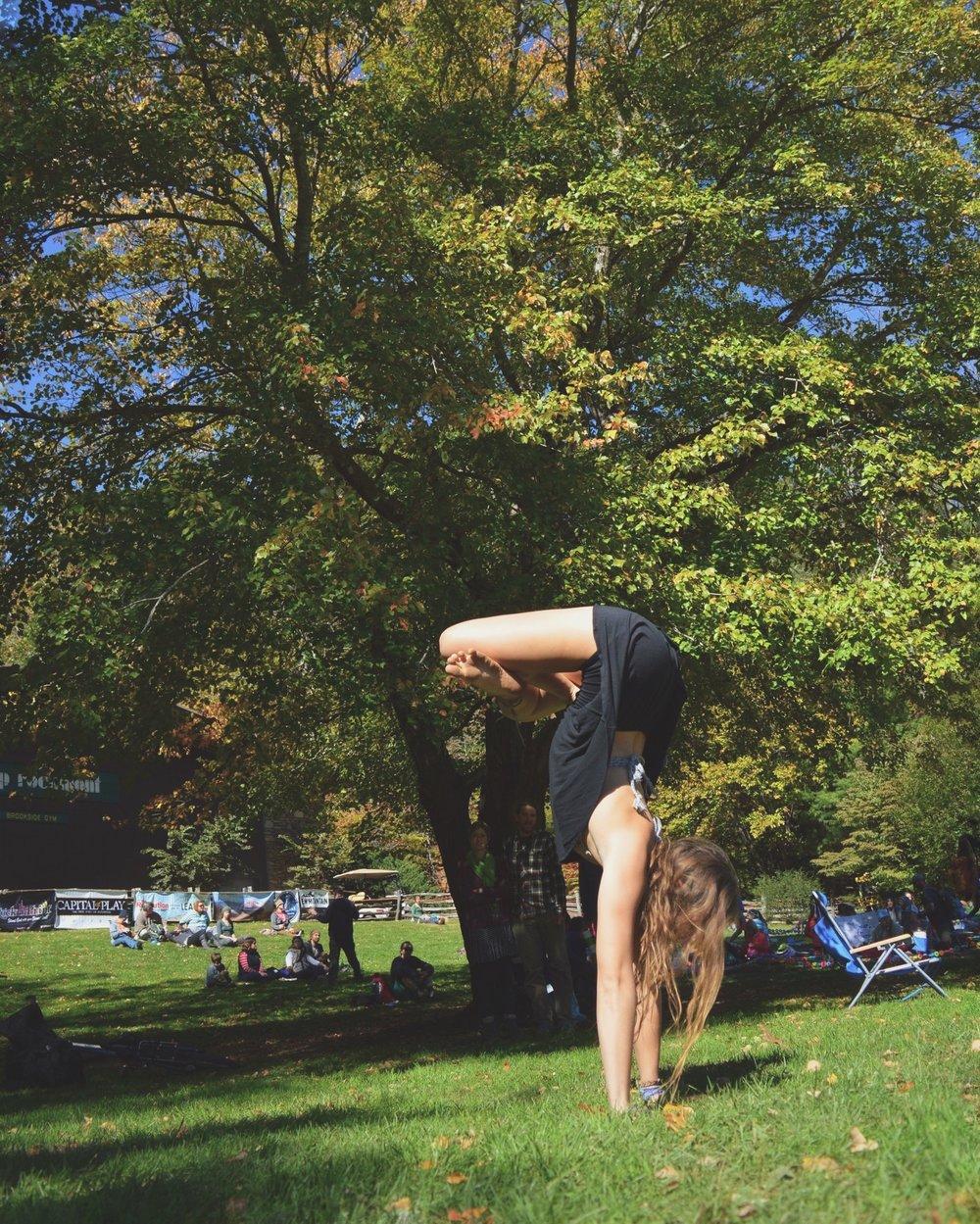 handstand_lotus_earthchilderin
