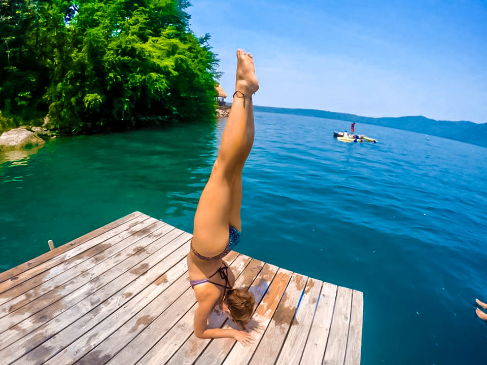 earthchilderin yoga laguna de apoyo