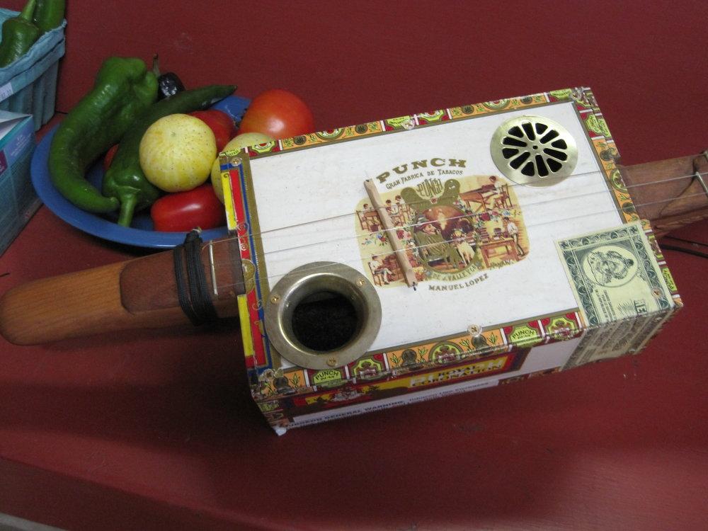 Cigar Box Banjo 11