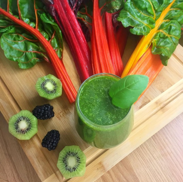 Chlorella is a great addition to any smoothie and adds super green colour