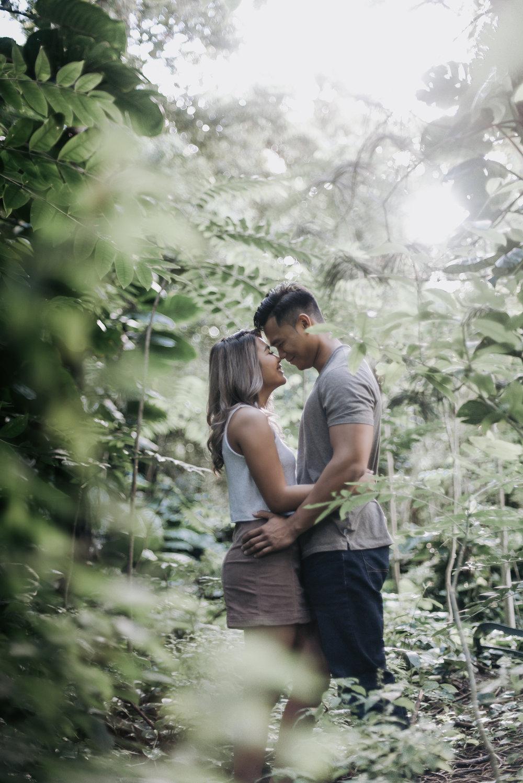 oahu hawaii engagement portrait photographer tantalus 8