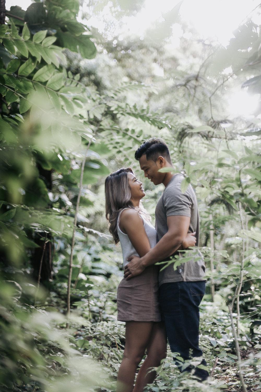oahu hawaii engagement portrait photographer tantalus 7