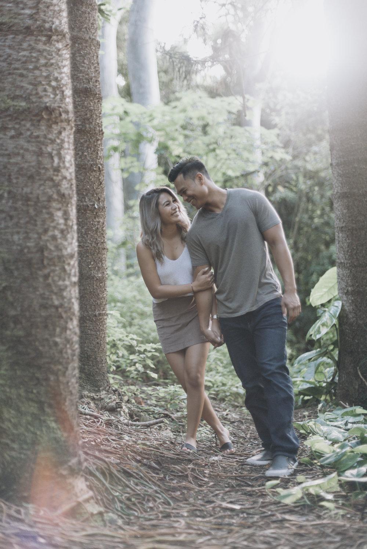 oahu hawaii engagement portrait photographer tantalus 12